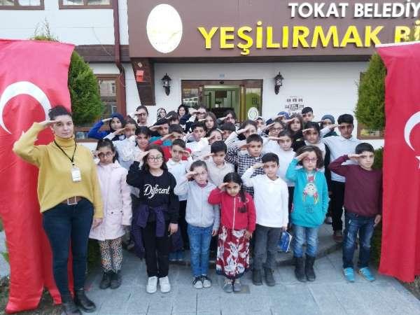 Minik öğrencilerinden Mehmetçiğe asker selamı
