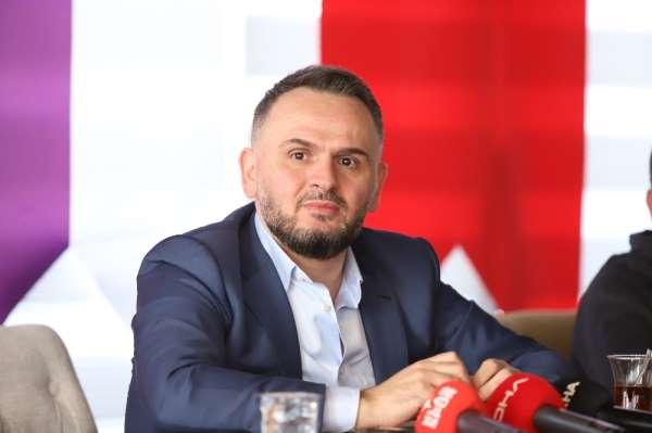 Sedat Tahiroğlu: '13 yıldır hiç bir futbolcuya, hocaya, devlet kurumuna borcumuz