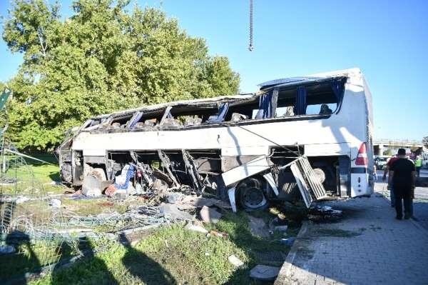 İki kişinin hayatını kaybettiği otobüs kazası davasında ilk duruşma