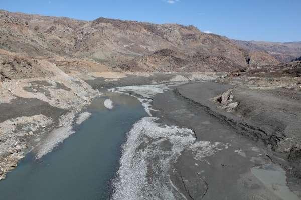 Siirtte kuraklık baş gösterdi, barajlarda su seviyesinin düşmesi çiftçileri tedirgin etti