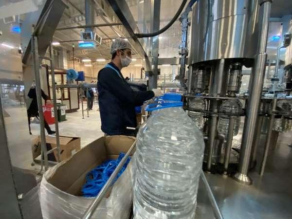 Saatte 50 ton su şişeliyor