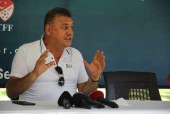 Çaykur Rizespor yeni transferlerini tanıttı