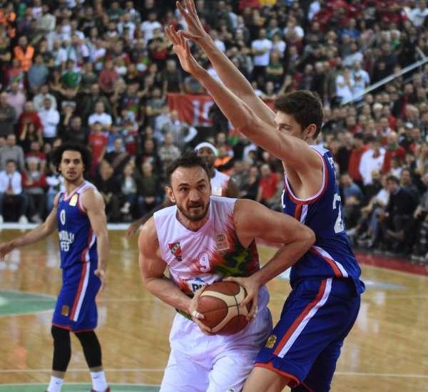 ING Basketbol Süper Ligi: Pınar Karşıyaka: 80 - Anadolu Efes: 82