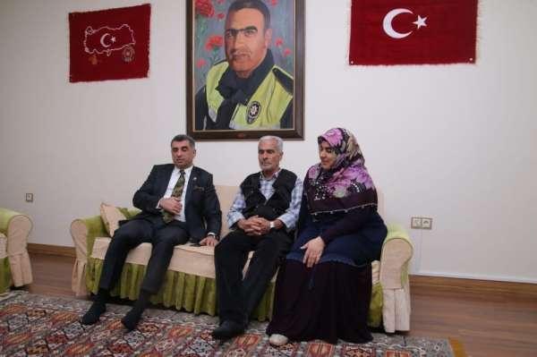 Kılıçdaroğlu, şehit Fethi Sekin'in babası ile görüştü