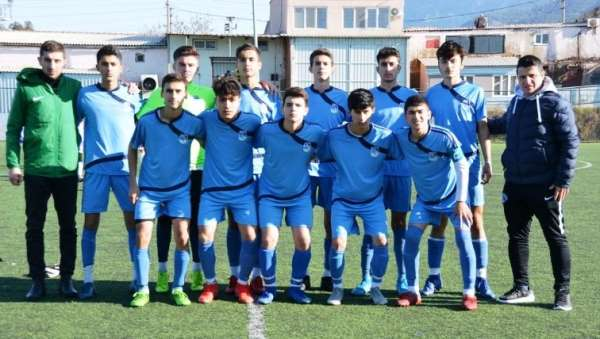 Yunusemre Belediyespor U16 takımı şampiyon oldu