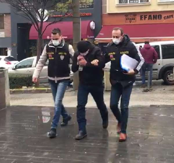Baba ve oğlunu bıçaklayan şüpheli tutuklandı