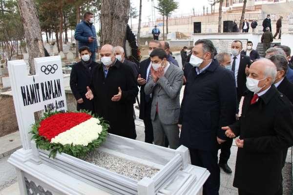 Dünya ve Olimpiyat Şampiyonu Hamit Kaplan, vefatının 45. yılında anıldı