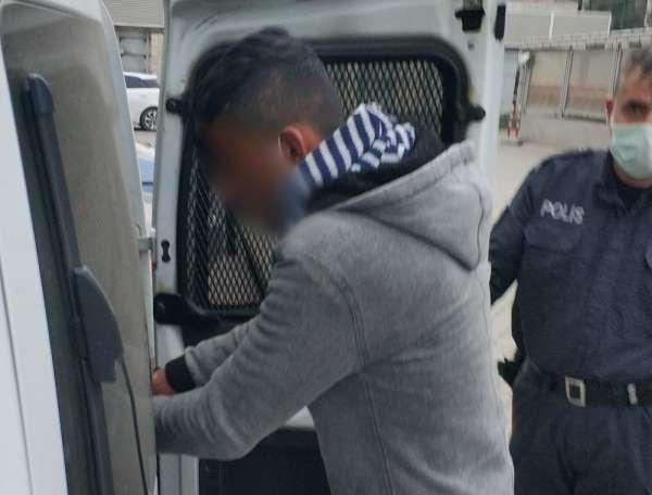 Mendil satma bahanesiyle zorla cüzdan gasp etmekten tutuklandı