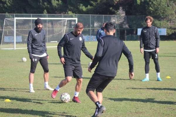Sakaryaspor, Tarsus İdman Yurdu maçının hazırlıklarına ara vermeden başladı