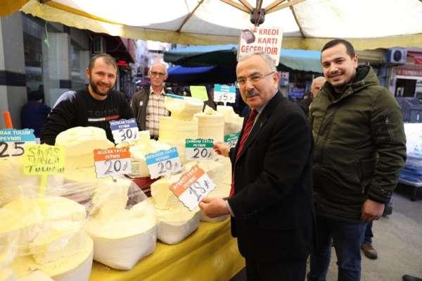Başkan halk pazarında