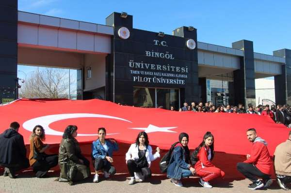 Bingöl'de üniversite öğrencilerinden 'Bahar Kalkanı Harekatı'na destek
