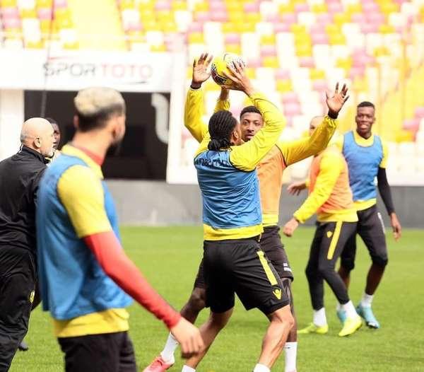Yeni Malatyaspor, Konya maçının taktik provasını yaptı