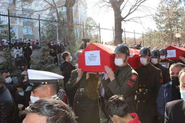 Bitlis şehitleri Ankarada Cebeci Şehitliğine defnedildi