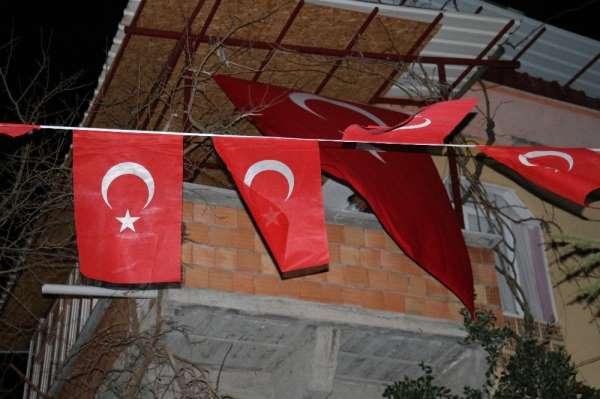 Kahramanmaraşlı Şehit Ast. Kd. Başçavuş Mehmet Demirin ailesine acı haber verildi