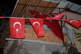Kahramanmaraşlı Şehit Ast. Kd. Başçavuş Mehmet Demir'in ailesine acı haber verildi