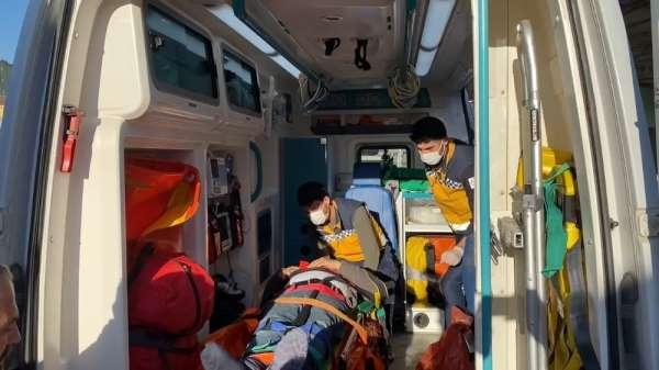 Pendikte feci kaza: Freni boşalan otobüs tıra çarptı