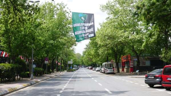 Başkan Hürriyet, Kocaelispor'a 2. Ligde başarılar diledi