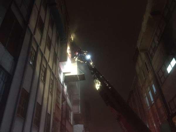Samsun'da mobilya imalathanesinde yangın