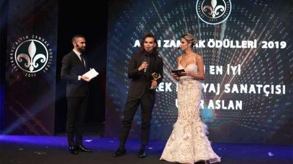 Makyaj Uzmanı Uğur Arslan'a Altın Zambak Ödülleri'nde 'Yılın En İyi Makyaj Sanat