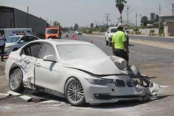 Adana'da 3 aracın karıştığı kazada 3 kişi yaralandı