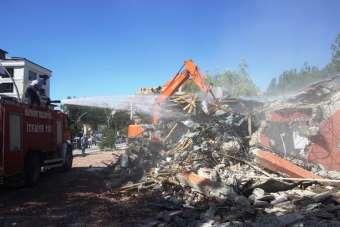 Şehit Nusret Parkı hizmet binası yıkıldı