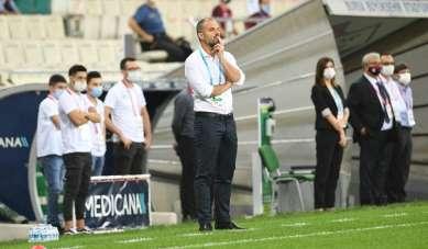 Bursaspor'da Mustafa Er, 3 isimden 1 dakikada bile vazgeçmedi