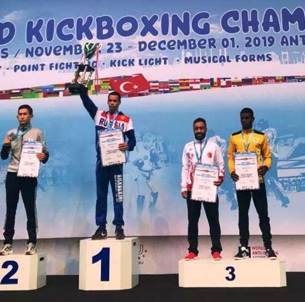 Büyükşehirin milli sporcusu Kick Boks'ta dünya üçüncüsü oldu