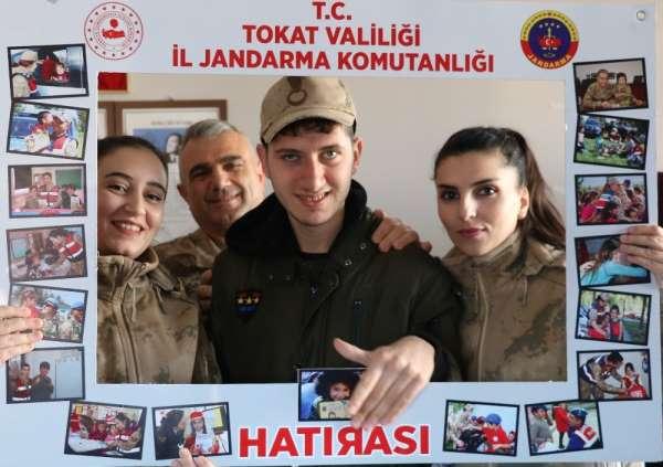 Özel çocukların Jandarma sevgisi