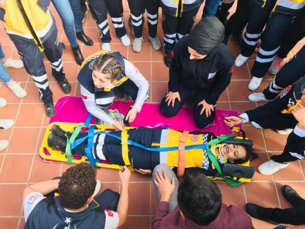 Üniversite de'112 Acil Sağlık Hizmetleri Haftası' etkinliği düzenlendi