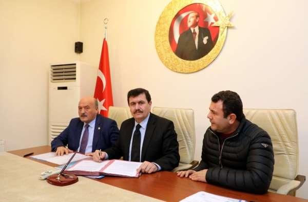 Erzincan'da 50 çiftçiye yüzde 75 hibeli sera projesi için imzalar atıldı
