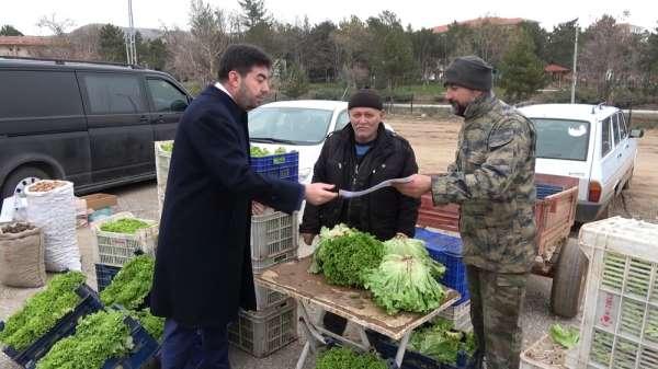 'Rekortmen' başkan çarşı-pazar gezip vatandaşa hesap verdi