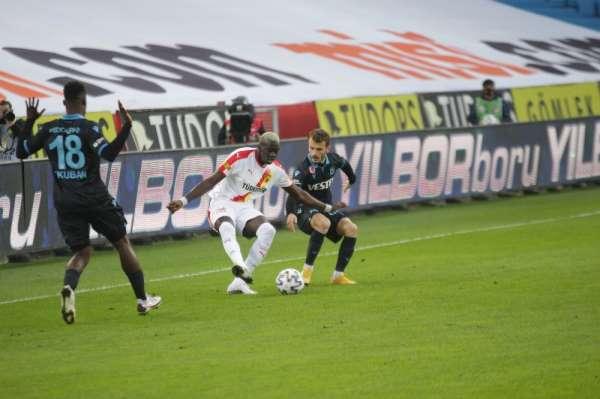 Süper Lig: Trabzonspor: 1 - Göztepe: 0 (İlk yarı)
