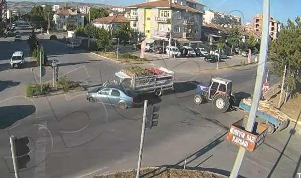 Tokat'ta 6 aracın karıştığı kaza güvenlik kameralarına yansıdı