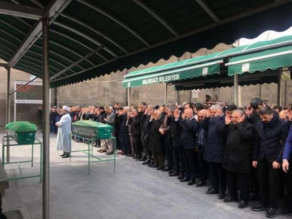 İdlib Şehitleri için gıyabi cenaze namazı kılındı