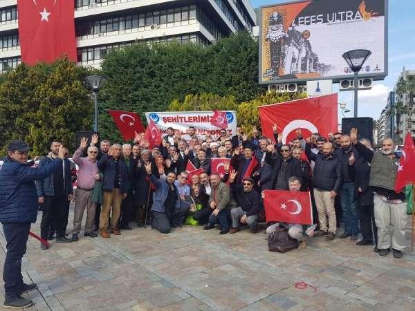 İzmir'de şehitler anıldı