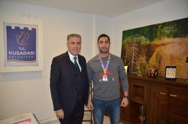 Kuşadalı Ozan Ali Akkılıç Türkiye Şampiyonu oldu