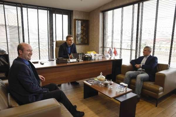 Sakaryaspor Teknik Direktörü Yıldırım ve futbolcular Altınküre Lisesi'nin konuğu