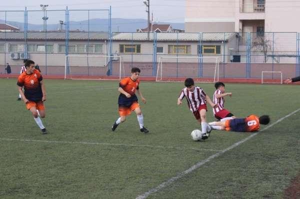 Yıldız erkekler futbol şampiyonu Mehmet Akif Okulu oldu