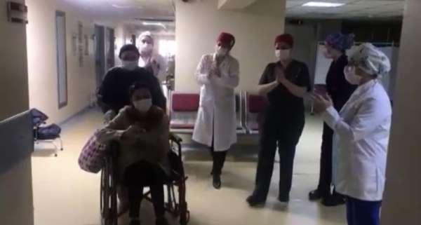 Ordu'da korona virüsünü yenen 3 hasta alkışlarla taburcu edildi