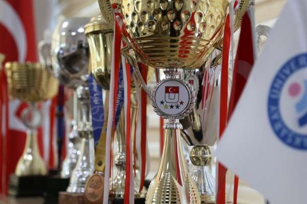 ASÜ spor takımları başarılarıyla dikkat çekiyor