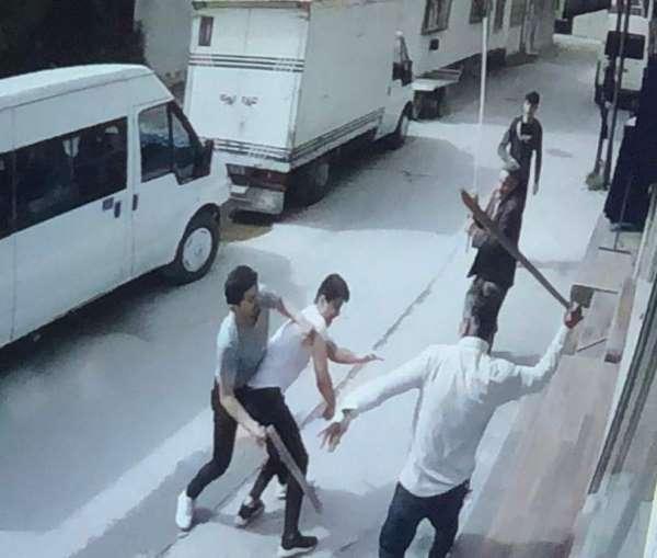 Bursa'da yevmiye için taşlı sopalı meydan muharebesi...4 kişi bıçaklandı, 10 göz
