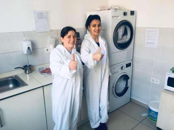 Uşak Üniversitesinden sağlık personeline çamaşır makinesi hediyesi ile destek
