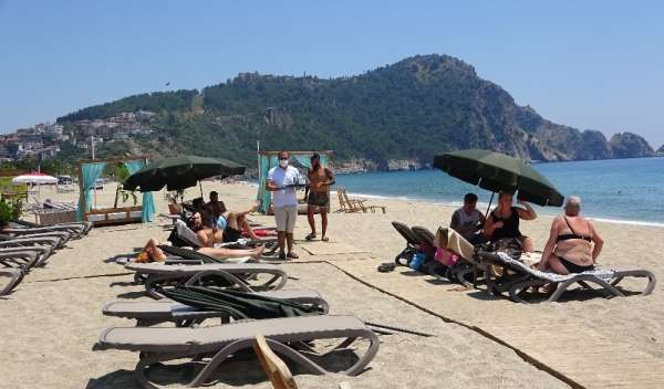 (Özel) Antalya'da 'sosyal mesafeli' oteller müşteri almaya başladı
