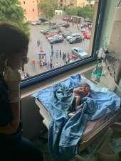 Beyrut'ta bir kadın patlamaya doğumhanede yakalandı