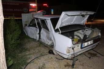 Minibüsün otomobile çarptığı kaza güvenlik kamerasında