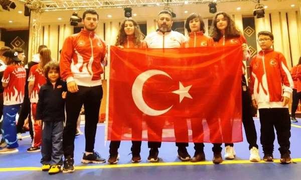Yunusemre Wushucular şampiyonada madalyaları topladı