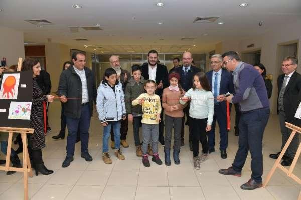 """""""Çocukların Gözünden Çiğli Belediyespor"""" isimli sergiye yoğun ilgi"""