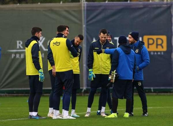 Fenerbahçe'de kaleciler Knoop'a emanet