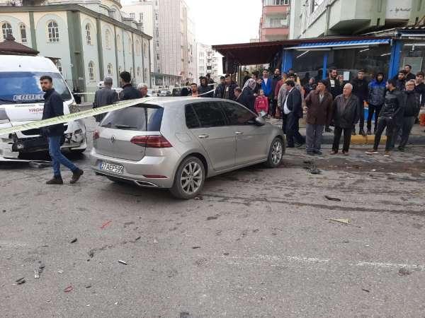 Gaziantep'in Nizip ilçesi Yavuz Sultan Selim Bulvarı'nda öğrencileri taşıyan bir