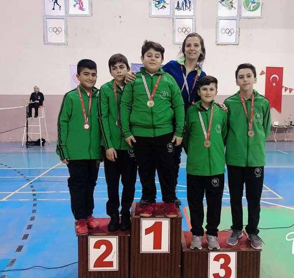 Ispartalı Badmintoncular çeyrek finalde